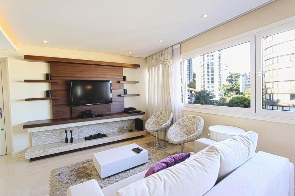 סלון מרוהט בדירה