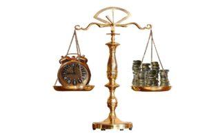 משקל עם כסף ושעון